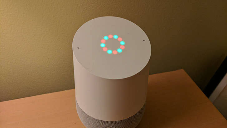 #GoogleHome has custom light patterns when playing holidaymusic
