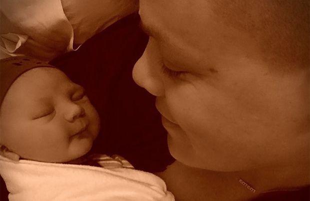 #Pink and husband Carey Hart welcome a son – CBS News